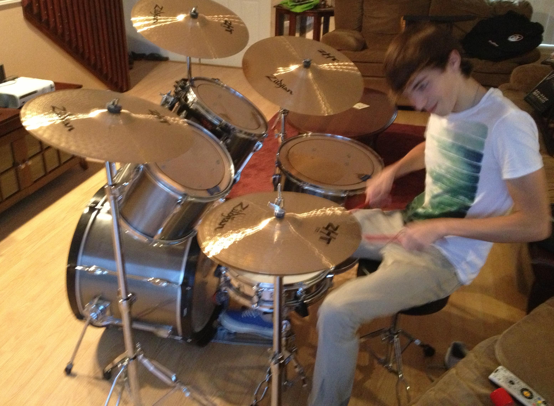 Kai drum set