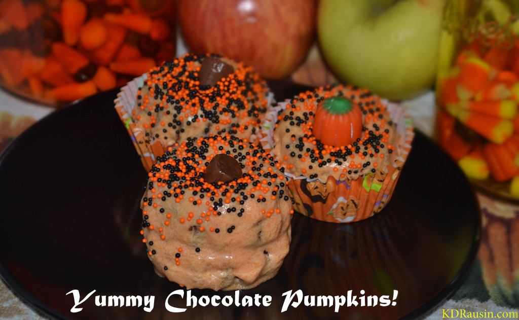 homecoming and pumpkin cakes 043