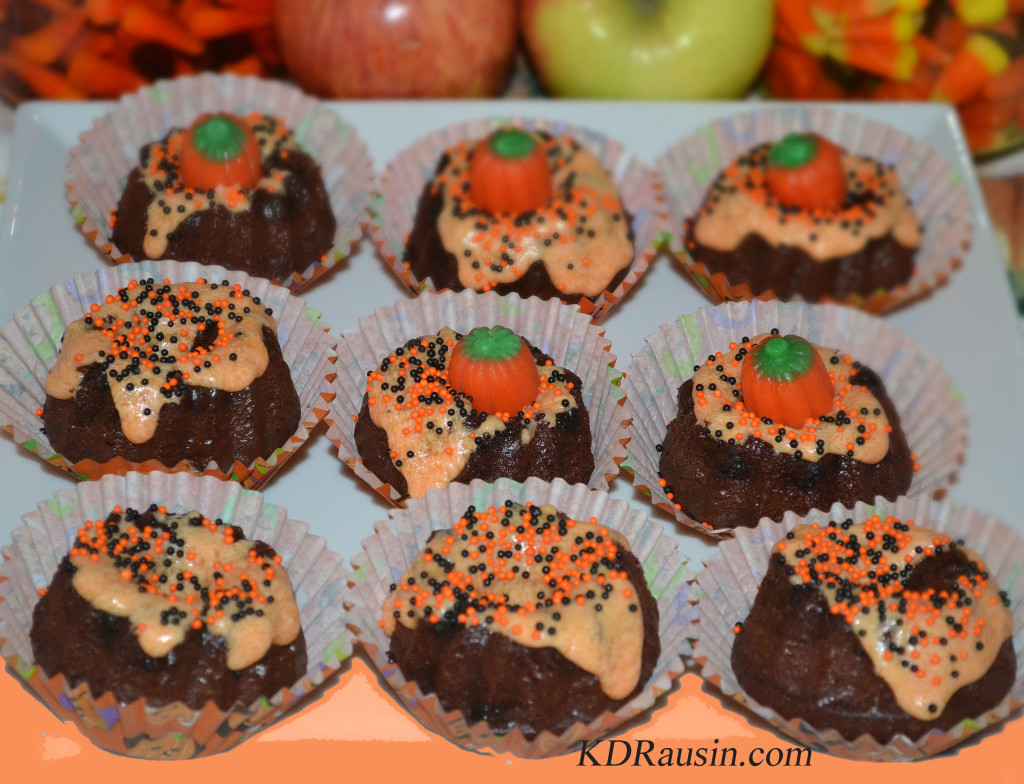 homecoming and pumpkin cakes 059